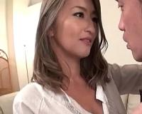 お色気ムンムンな美魔女の誘惑!美しい爆乳奥様のモーレツ不倫SEX!!