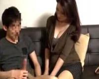 【熟女ナンパ】五十路のお色気ムンムンな素人マダムが若い男の体を求めてマンションをご訪問!