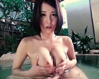 ‹神乳›混浴露天風呂でHカップ爆乳お姉さんにパイズリご奉仕してもらう!