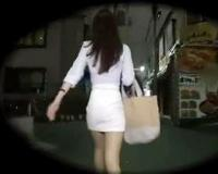 《レ○プ》暗がりを1人歩くモデル体型の美人OLが変質者2人組に襲われる一部始終!