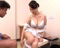 『治療ですよぉ⁈分かってるぅ⁇♡』巨乳の痴女素人おばさん看護師がHなお仕事