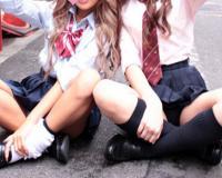 《JK援交》『ねぇ〜、二人でいくらで買ってくれるの?』美乳な女子高生とハメ撮り!コスプレ着衣の女子校生に巨根で痙攣アクメw