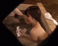 《素人企画》『すご〜い♡おちんちん大きいなぁ♡』スレンダー女子大生が浴企画で発情w3P乱交輪姦セックスがエロいw