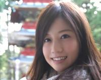 【人妻熟女・不倫NTR】「私もシたかったの…♡♡」コタツの中でオナニーを見せるスレンダー美乳おっぱいの美人女医おばさん!