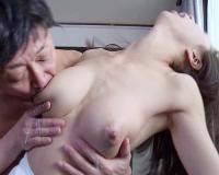 【人妻熟女NTR】「いやっ!ミルク吸わないでぇ!」スレンダー巨乳おっぱい美魔女が元彼に寝取られて母乳を吸われてしまうww