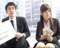「生中出しできたら30万円!?」職場の同僚と2人きりにされ、性欲と友情どちらが勝つか検証する素人ナンパ企画