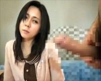 〝人妻ナンパ/センズリ鑑賞〟色気ありまくりな巨乳奥様♪インタビュー中にいきなりちんぽ見せつけられ…