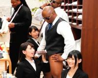 【紳士服のふぇらやま NY支店】黒人のデカチンも喉奥まで咥える濃厚接客☆業務中の性接待がUSAでも話題にww