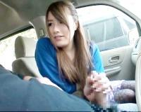 【セン鑑素人企画】23歳美人お姉さんに車の中で巨根見せつけ近くに人がいるのに口淫手淫させちゃう!