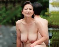【熟年セックス】60題を迎え衰える性欲にスイッチをっ人里離れた温泉旅行で夫にクンニ手マンされヌルヌルおマンコがオアシスに!