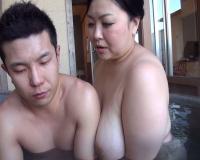 【寺島志保】ムチムチのぽっちゃりボディ熟女…お風呂で近親相姦SEX!!