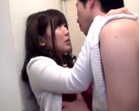 旦那の上司のテクにアヘ顔になってしまう美人な人妻が自宅で中出し不倫SEX!