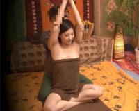 超美人なセレブ妻がタイ古式マッサージで「中はだめっ!」と言いつつ中出しされてしまう!