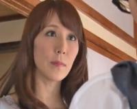 【澤村レイコ】「お母さんが初めての女になってあげる♡」と言って近親相姦中出しパコ!