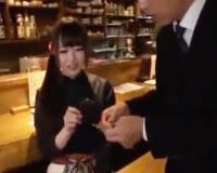 突撃!世田谷の居酒屋にアポなしで可愛い店員を説得して店内でAV撮影しちゃった!