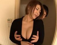 【人妻】エロおっぱいの近所の奥さんとホテルで密会セックス‼超ミニスカで挑発する淫乱ビッチな浮気痴女と不倫NTRセックス‼