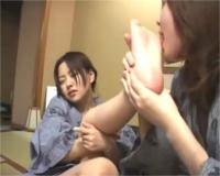 酸っぱい足をベロベロ♡足舐め脇舐め変態性癖レズビアン!