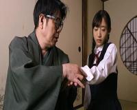 【画像】彼女は自らの過酷な運命を受け入れるのだった。食べられる女 養女・宮原愛子 星奈あい