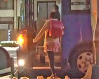 エロ動画更新!痴漢バスに乗り込んでしまった小○生の未成熟マンコへ強制膣内射精「美少女、ロリ、パイパン、中出し、痴漢好きにオススメ!」