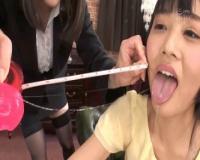 【企画/フェラ】女子大生たちがイラマ汁最長記録に挑戦