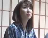 クールビューティな素人妻のSEX映像!温泉レポーターの仕事と騙されてハメ撮りさせられる美人妻!