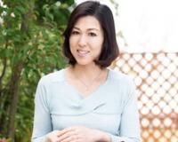 キレイな親戚のおばさんといっぱいセックスしまくった! 小崎里美