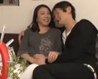 【人妻ナンパ】「キス、すんごい久しぶりにしちゃったかも」五十路の熟女妻を口説いて逝かせて生ハメ中出し膣内射精