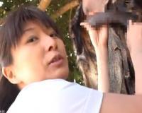 【密着ドキュメント】日本の四十路看護師がアフリカに行って原住民の童貞少年に筆おろしボランティア!