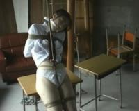 制服緊縛 股縄を深くくい込まされたまま放置の女子校生 有森いずみ