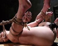 女を雌奴隷に堕とす淫靡なSM調教の儀式で緊縛されバイブ調教【小野麻里亜】