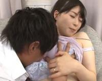 【NTR】悲報…母乳マニアな同僚に嫁の母乳が飲み干されてた件www