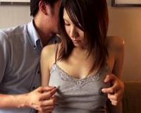 【人妻】スタイル抜群な美巨乳若妻が母乳をしとどに濡らして授乳手コキセクロス♪