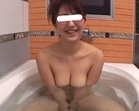 【無】メガネ姿が知的なエロカワ美乳娘が生ハメ撮りで目隠しプレイ&濃厚中出し♪