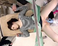 【産婦人科痴カン】「んん…」旦那が居るのにカーテン越しにクスコでマンコ奥まで見られて、膣内射精までされる巨乳おっぱい若妻【pornhub】